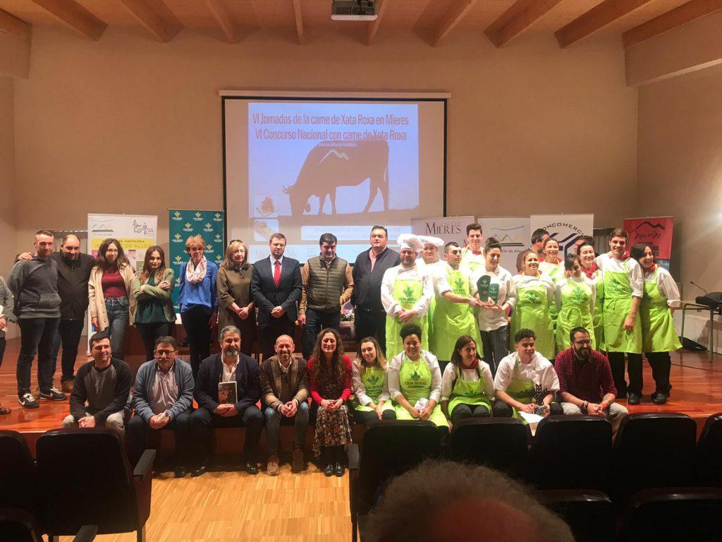 Concursantes, ayudantes, profesores, jurado y patrocinadores del Concurso